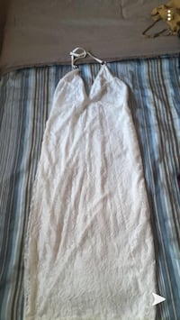 Long white lace dress in size small Toronto, M9W 7B9