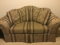 Couch and Love Seat Set Leesburg, 20175
