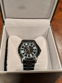 GUCCI Round black chronograph watch with black link bracelet