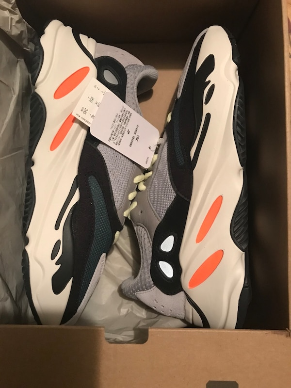 52a69e0ecfe96 YeeZy 700 wave runner size 9 and 9.5. HomeOther used items in New York ...