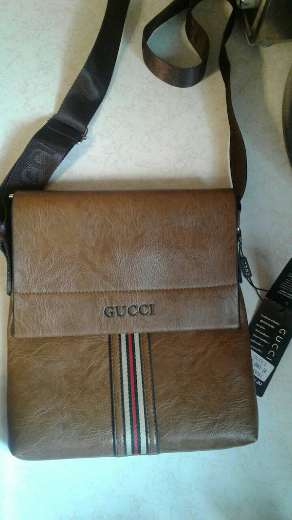 b2b8a4801b60 Used brown Gucci leather sling bag for sale in Peru - letgo