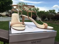 New Nine West shoes. Worn only 2 hrs   size 9 1/2