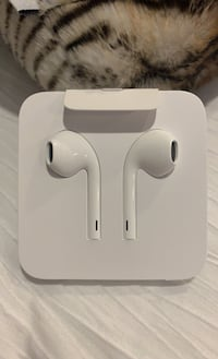 Brand new apple headphones!