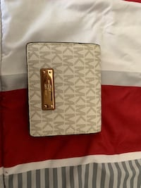 Michael kors wallet Baltimore, 21214