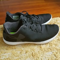 Underarmour Running Shoes (7.5) Mississauga, L5B