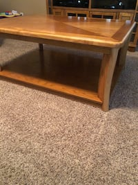 Set of coffee table with end tables San Antonio, 78226
