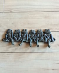"Metal frog wall hooks 10"" long"