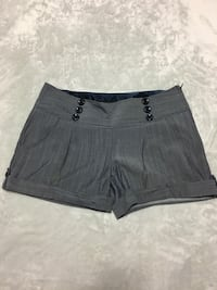 Grey Guess Shorts size 27 Maple Ridge, V2W 0G4