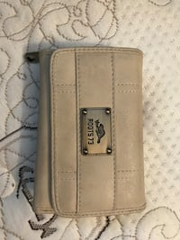 beige Roots 73 leather trifold wallet Toronto, M1R 4J8