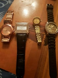 4 watches $15 each or 40 for all.need battery  North Vancouver, V7N 2G3