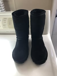 Barepaw Black Boots Newport News, 23605