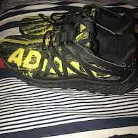 Black-and-yellow adidas Griffin, 30224