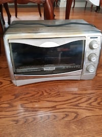 Convection toaster oven Mississauga, L5W 1B1