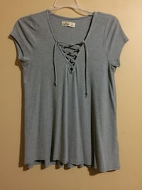 Hollister top size small Brampton, L6R 3B7