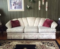 Floral couch Clinton, 20735