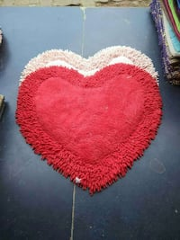 two red and beige heart shape floor rugs Mumbai, 400078
