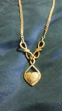 Beautiful heart necklace. Exeter, 03833