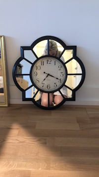 Mirror wall clock  Falls Church, 22041