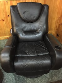 Leather chair  Haverhill, 01832