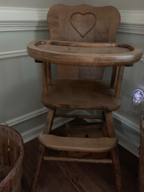 Antique wooden high chair - Used Antique Wooden High Chair For Sale In Marietta - Letgo