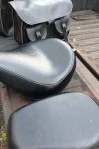 Saddlebags and a frontseat and backseat off a yamaha in great condtion Manassas, 20110