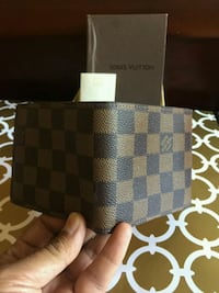 Awesome Brown Checked Wallet in Box Mississauga, L5R 3A9