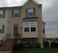 Luxury, 1 pet-friendly townhome: Available Sept 15th Charles Town, 25414
