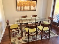 Price drop! Dining Room Table & Chairs Kelowna, V4T 3E4