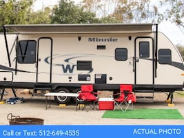 [For Rent by Owner] 2015 Winnebago Minni 2500FL