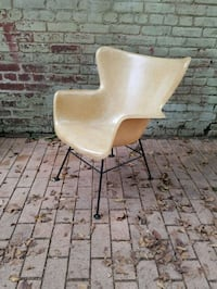 Wingback Fiberglass Chair by Lawrence Peabody for  Washington, 20003