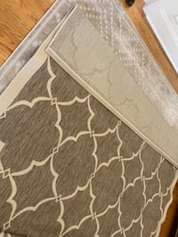 8'x10' Area Rug (Top Rug only)