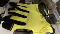 yellow-and-black gloves and black framed sport sunglasses Winnipeg, R3E 0A9
