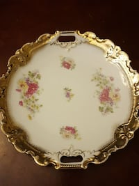 round white and multicolored floral tray Waterford Township, 48329