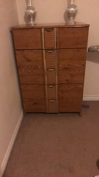 brown wooden 3-drawer chest Cambridge, N1R 8P4