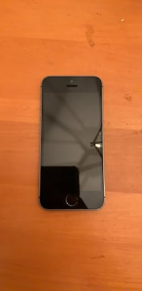 Space gray iphone 5s St. Catharines, L2T 2Z1
