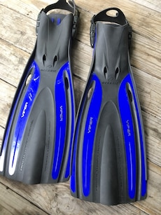 pair of black-and-blue Oceanic Viper diving flippers