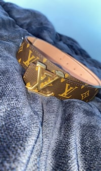 Authentic LV belt bought it 500$ brand new selling 195$ OBO