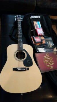 Yamaha Acoustic Guitar with case and lesson books. Lancaster, 93536