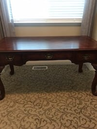 Broyhill Beautiful solid wood desk