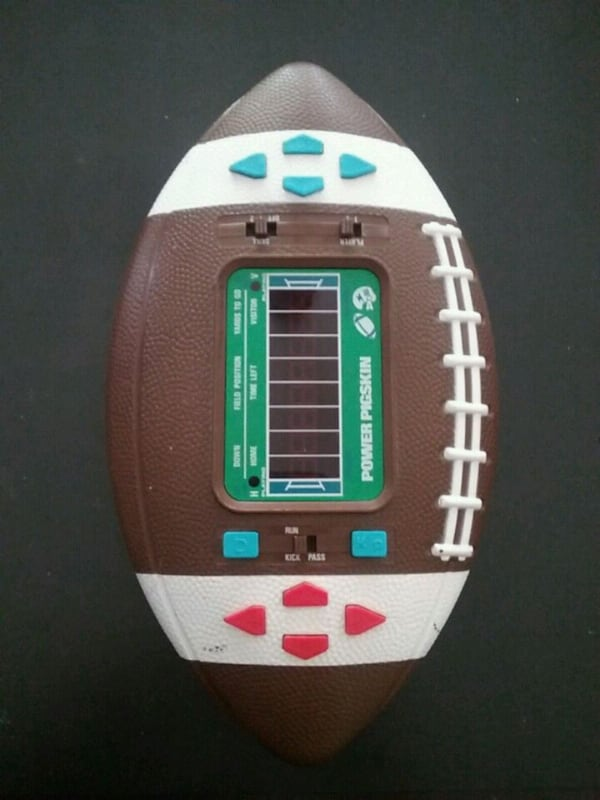 Vintage 1979 Power Pigskin Electronic Football Game works great 05aa729a-2739-4b96-bb4f-e061b5d626f7