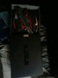 LeBron James X special edition size 11 Addison, 60101