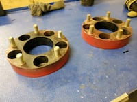 Pair of Chevy 5x5 bolt pattern wheel spacers