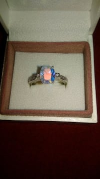 Sterling silver ring with zirconia stone!