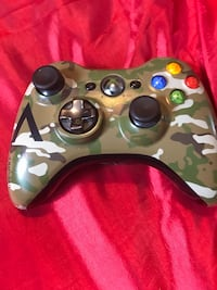 black and green camouflage Xbox One controller Winnipeg, R3M 2A3