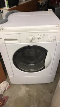 white front load clothes washer Palmdale, 93552