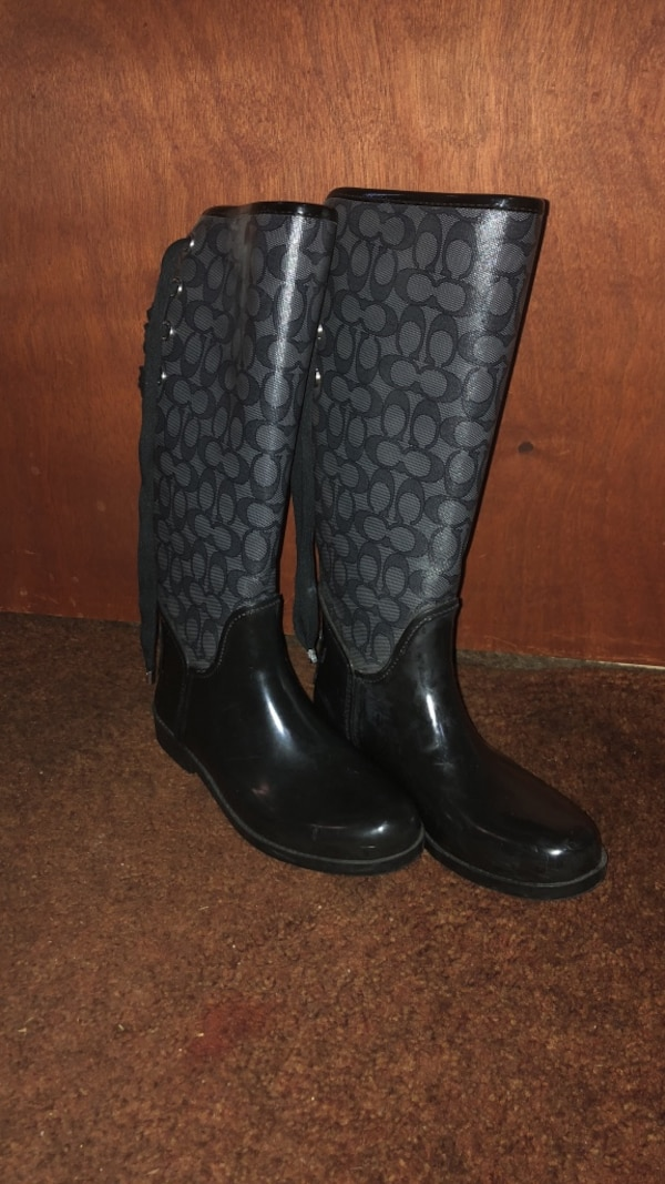 9dc90c329f054 Monogrammed black-and-gray coach rain boots