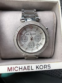 Round silver michael kors chronograph watch with link bracelet District Heights, 20747