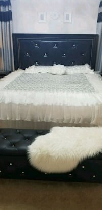 white and gray bed sheet Tipp City, 45371