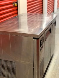 Commercial Refrigerator, counter top or under display.