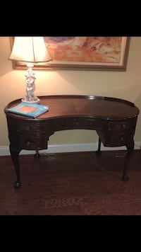brown wooden side table with drawer Alexandria, 22314
